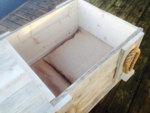 binnenzijde 2  kist van steigerplanken