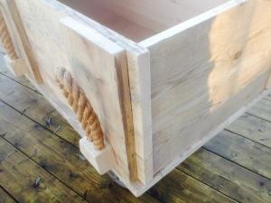hoekdetail steigerhouten kist