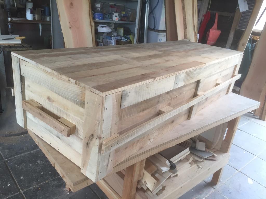 Pallet houten uitvaartkist